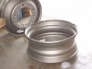 "23"" TRUCK TIRE RIMS FOR FIREPIT Kitchener / Waterloo Kitchener Area image 1"