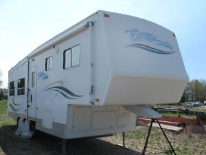 Immaculate 29' Citation 5th Wheel