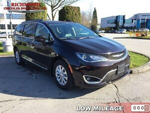 2017 Chrysler Pacifica Touring-L   - Low Mileage