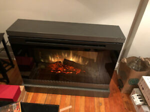 Dimplex Electric Fireplace. Mint condition.