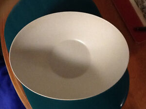 Plastic bowl London Ontario image 2