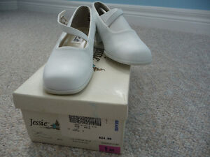 Various Brand New Girl's Dress Shoes - Size 1 or 2 Kitchener / Waterloo Kitchener Area image 6