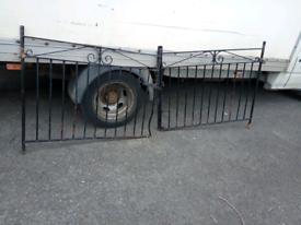 Driveway gates has a bend