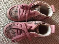Girls shoes size 6.5