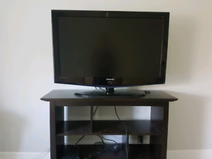 42 inch Samsung TV with remote