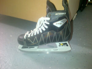 patin ccm neufs taille 7