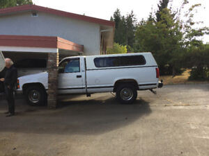 1996 Chevrolet Pickup Truck & Canopy