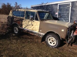 1976 international scout 304 motor auto.with plow works. 2500.00