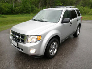 2010 Ford Escape XLT 4x4(Lady Driven)