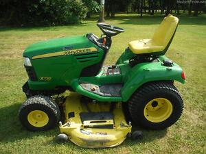 2011 John Deere X720 Mower – ST1061