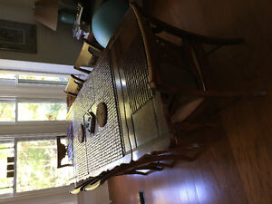 8' Dinningroom table and chairs