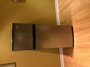 Fridge for sale!! 250$