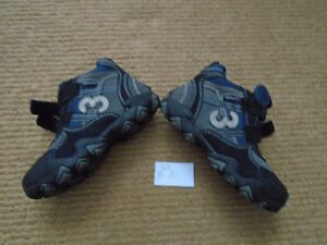 Boy shoes  size 9-10      new , never used   $15 Made in Germany