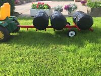 Toy bale trailer