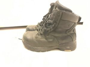 Women's Dakota quad comfort work boots size 8. CSA approved