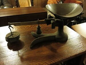 BOSTON WEIGHT SCALE IN GOOD WORKING CONDITON asking $65 or best