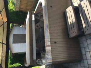 Beautiful beachcomber hot tub for sale like new priced to sell