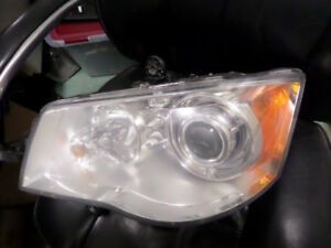 2010 Chrysler Town and Country Headlight LH HID