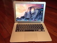 Macbook air 13'' Mid-2012, 4GB RAM, 128 GB HD, impeccable