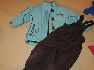 Snow suit blue/brown in good condition size 3 girl