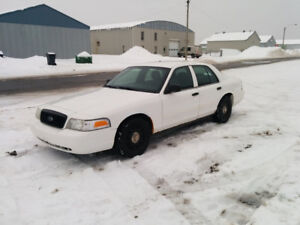 Crown Victoria Police Interceptor CVPI P71(P7B)