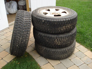 Snow Tires (Dunlop SJ6) With Rims, Ideal For SUV