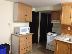 3 bedrooms 5 min to LU & Free Utilities