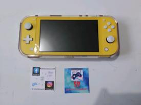 Switch lite yellow + 2 games