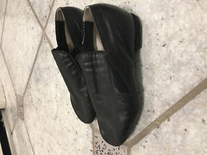 Girls slip-on leather jazz dance shoes BARELY WORN