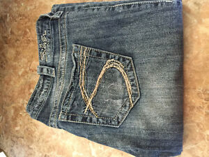 Silver Jeans Tuesday Bootcut  W 32 L 33