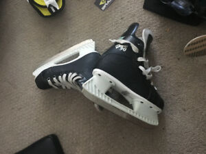 CCM Champion 90 skates size youth 13