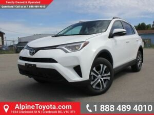 2017 Toyota RAV4 AWD LE  AWD - Heated Seats - Bluetooth