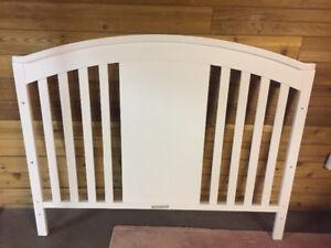 Delta 4 in 1 convertible crib - white