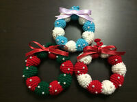 Crochet Christmas wreath and ginger bread w/strapr