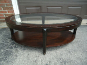 OVAL COFFEE TABLE WITH GLASS TOP CENTRE