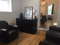 Newly refurbished 3-bed maisonette SE23