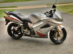 2003 Honda VFR 800A Interceptor Motorcycle (ABS)