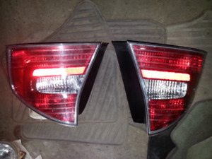 2005 Subaru Legacy GT rear tail lights sedan 416-818-6542