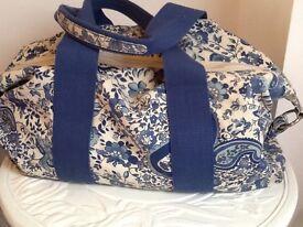 H&M blue floral canvas handbag