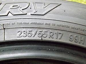 pneus hivers 235-55-17 toyo GO2 plus open cpountru presque neuf