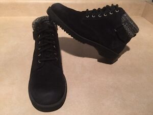 Women's Rugged Outback Leather Boots Size 6.5 London Ontario image 2
