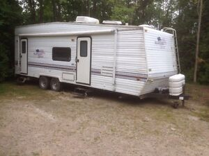 27' Toy Hauler  priced to sell!! No room to store!!