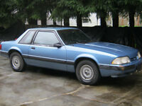 1990 Ford Mustang Coupe (2 door)