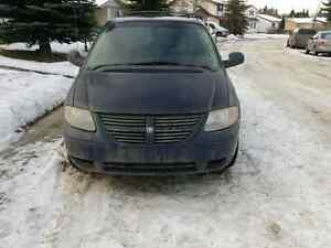 2006 Dodge Grand Caravan SXT with DVD and Sto N Go