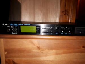 Sampler Roland S-760