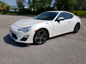 FS : 2013 Scion FRS - Manual / clean / white