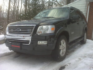 2007 Ford Explorer XLT SUV Low kms
