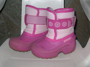 WINTER, WINTER, WINTER!  GIRL'S BOOTS