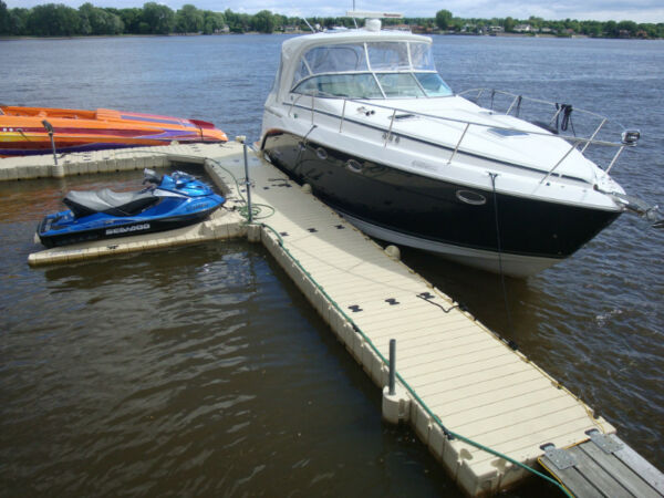 Used 2008 Rinker Boat Co 400 EXPRESS CRUISER 40'