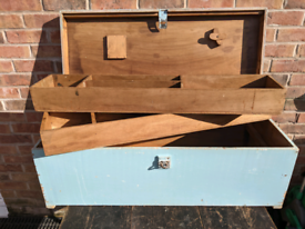 Vintage carpenters tool chest with two lift out shelves